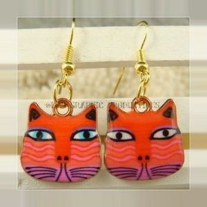Highly Enameled Elegant Cat Earrings